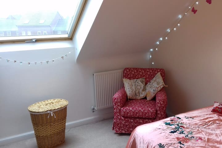 Double room in modern village with all amenities
