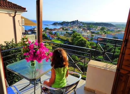 Μini studio with astonishing view near the beach - Foinikounta