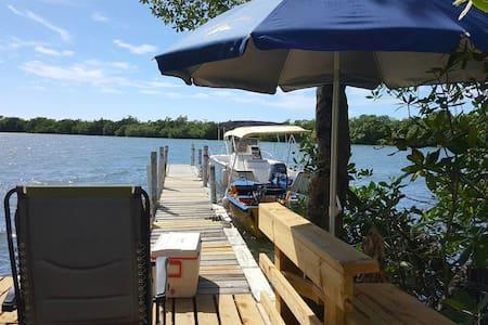 Beach Front, Pierr, Parking, Boat's - Cabo Rojo - Sommerhus/hytte