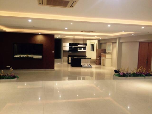 美丽的景万岸公寓房,环境清幽,干净卫生,服务设施齐全,欢迎各位