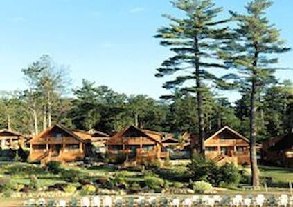 Lodges at Cresthaven 2BR Cabin - Lake George