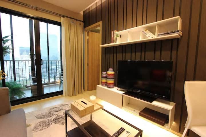 Serviced apartments for rent and 2 bedrooms 876
