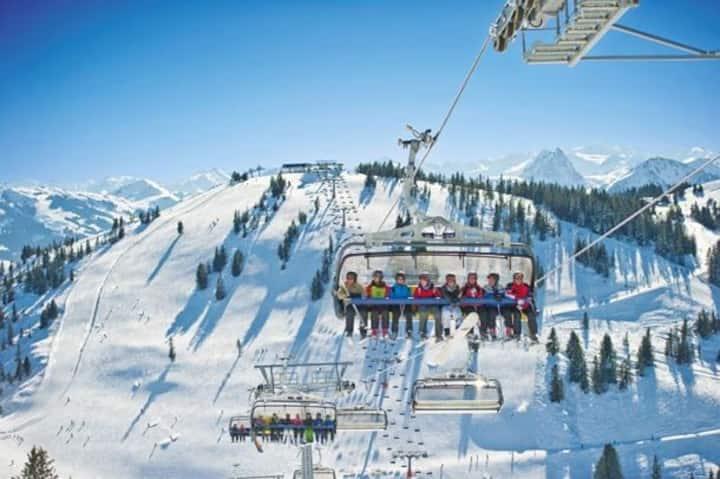 Bergsigt Ellmau Talseite   Ski In - Ski-Out