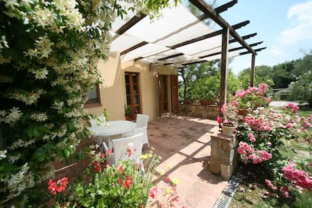 Romantic apartment in the heart of Tuscany - Chianciano Terme - Haus