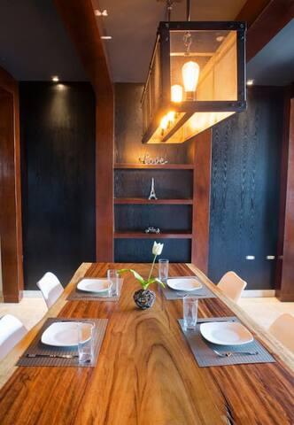 Luxury condo apartment near City Center & La Isla