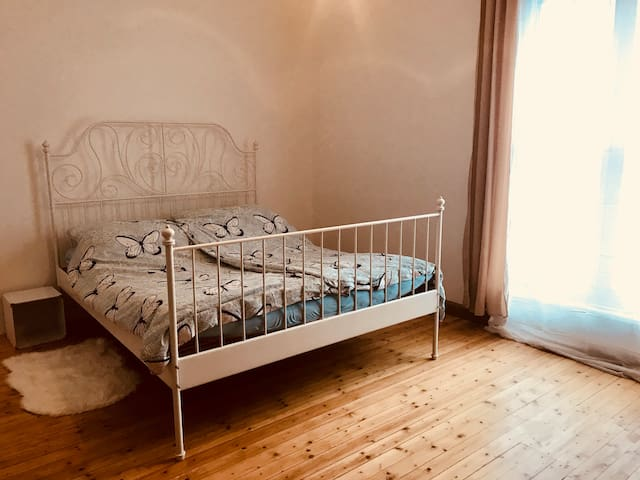 Quiet and newly renovated flat. 10 to Center, 48m2