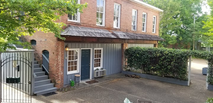 🐎Carriage House Apartment🐎 ⭐Downtown Columbus⭐