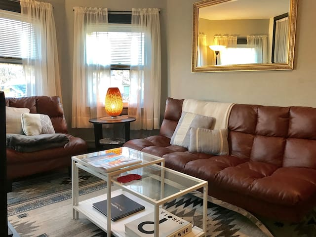 1-BdRm Entire Apartment St. George