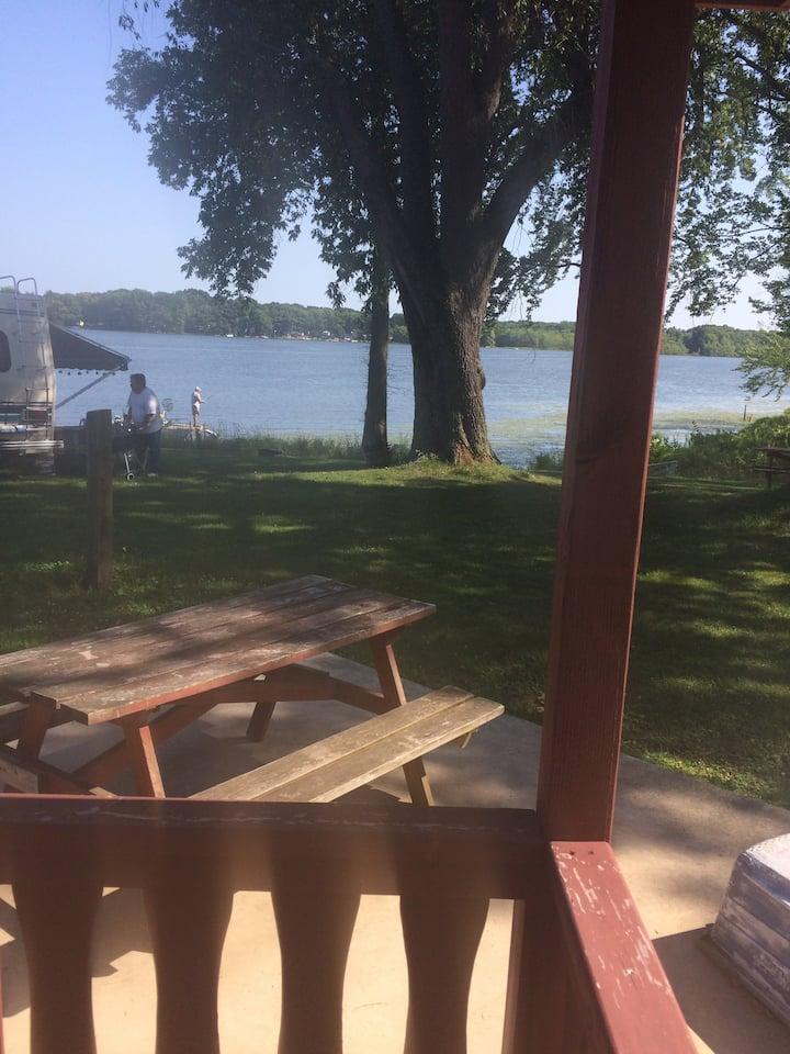Lakeside Camping Cabin 4