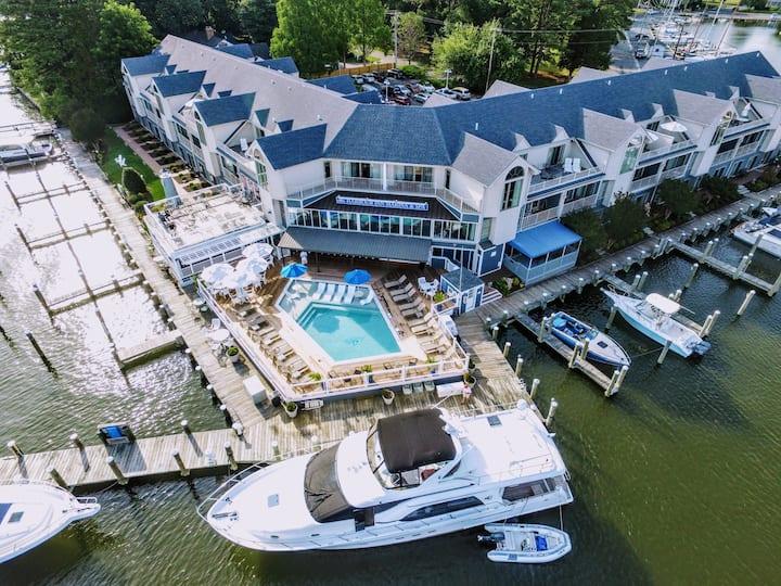 St. Michaels Harbour Inn - Premium King WF Suite