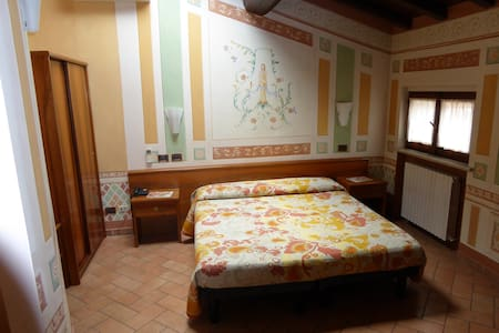 Giulia Gonzaga albergo Sabbioneta centro - Sabbioneta - Bed & Breakfast