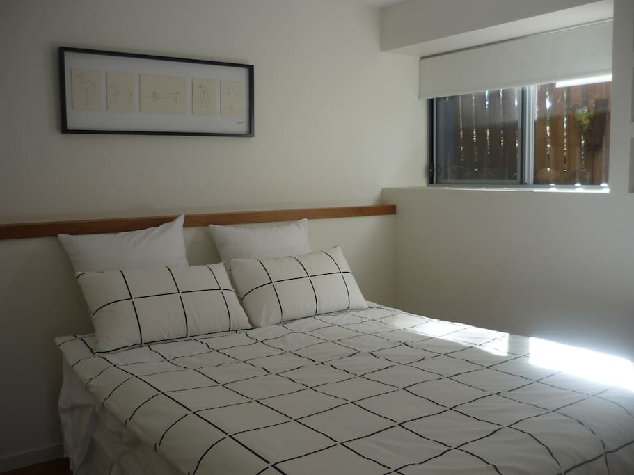 Master bedroom with comfortable Queen size bed.