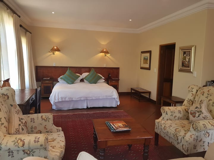 Superior Suite  in Magaliesburg