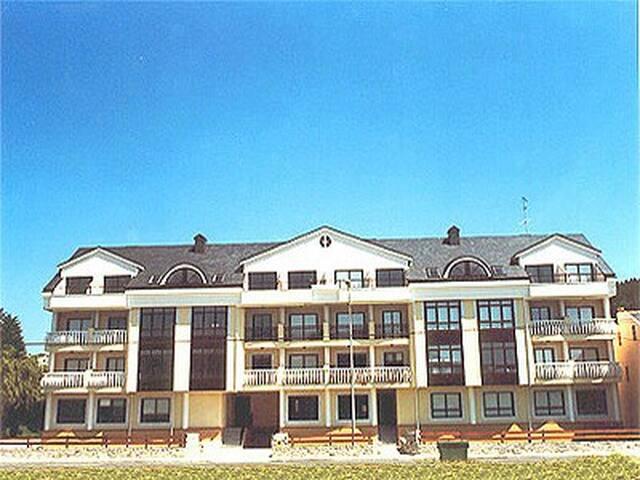Apartamento primera linea playa - O Vicedo