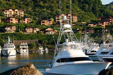 Bay Residence Los Sueños Costa Rica - Herradura - Condominium
