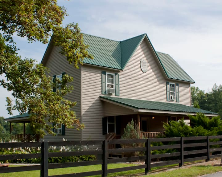 Near French Lick- Farm-16 Bedrooms