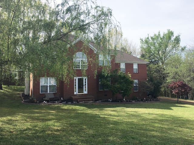 Nolensville NICE home - Twin Bed/Business Friendly - Nolensville - Casa