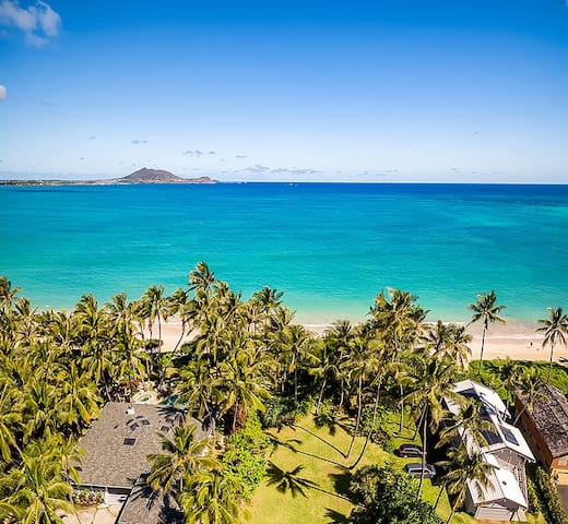 """KAI LUA""-Luxury beachfront Hawaiian villa w/ pool"
