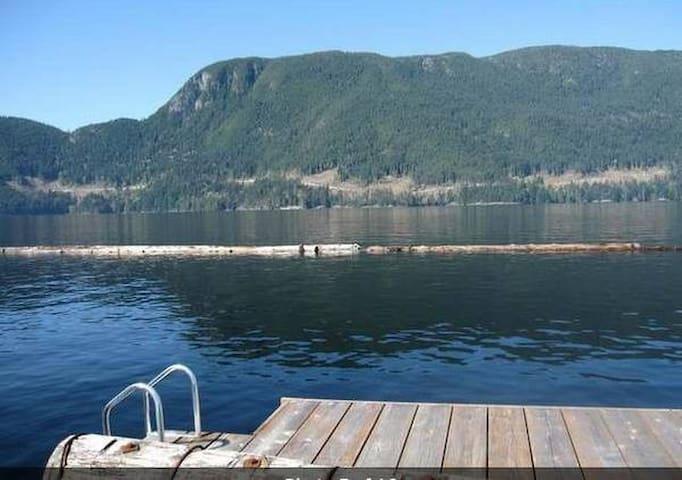 Powell Lake Getaway - Powell River - Srub