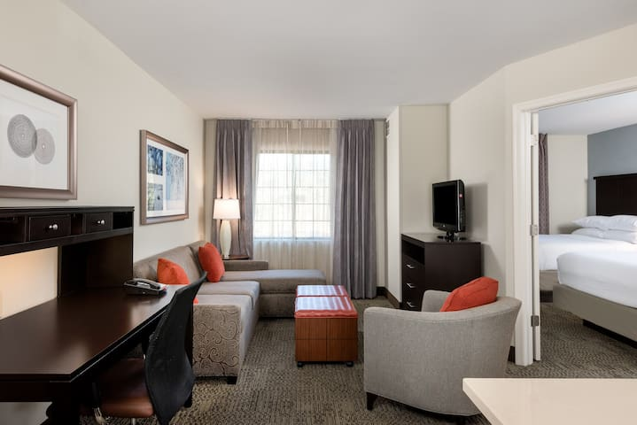 Upscale Suite Near IAD | Free Breakfast + Shuttle to Airport + Corporate Area