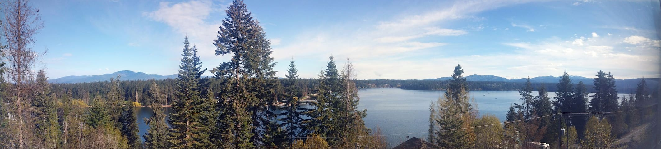 Dream Home Overlooks Hayden Lake - Everything New