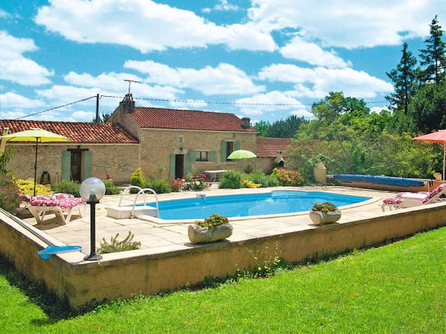 Holiday home in Blanquefort s. Briolance