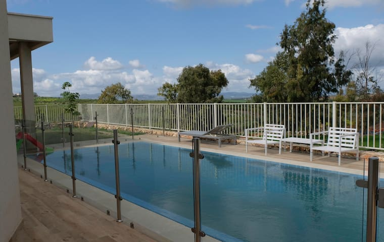 The house in mount Gilboa with private pool