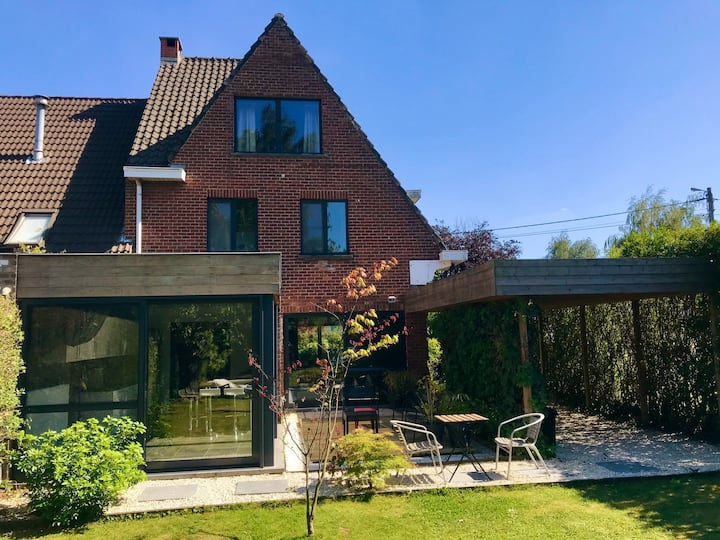 House : 3 bed- & 2 bathrooms, Next to Lille & Gent