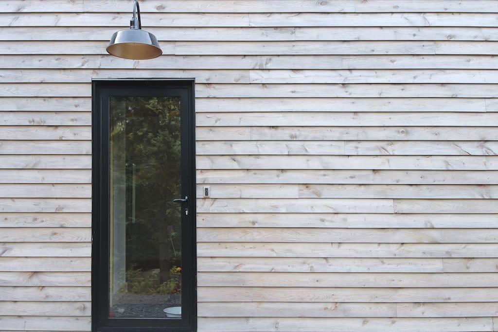 Porte d'entrée / Entrance Door