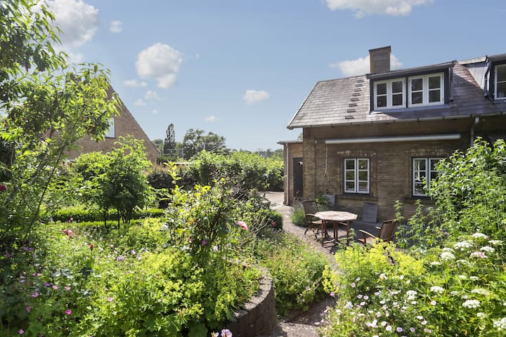 Historic house 20min from CPH - Holte - House
