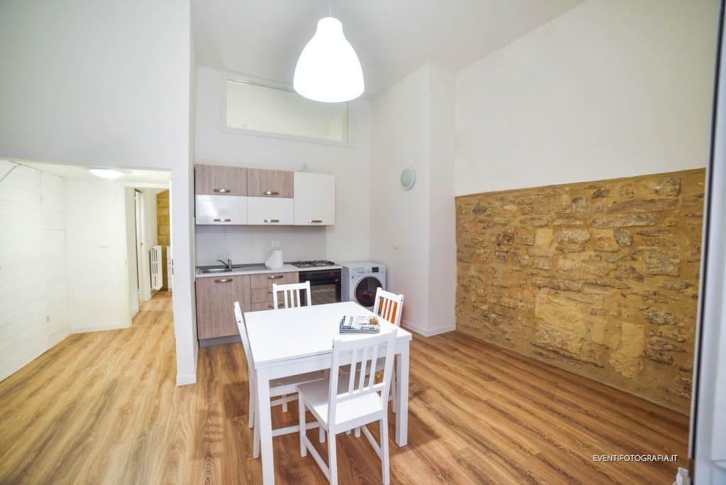 Lecasettebarletta centro storico pietra viva for Appartamenti arredati in affitto barletta