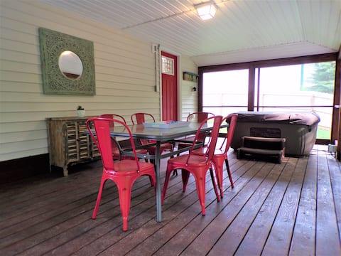 Shotgun Cabin at Center Hill Lake near Hurricane