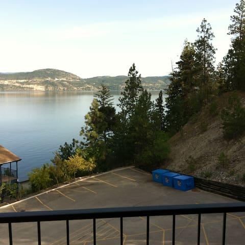 1 bedroom view condo. Lake Okanagan Resort.
