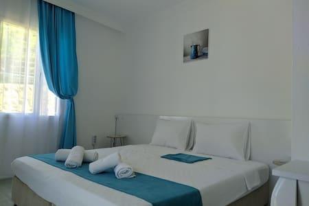 Çeşme Merkez' Minerva Port Hotel