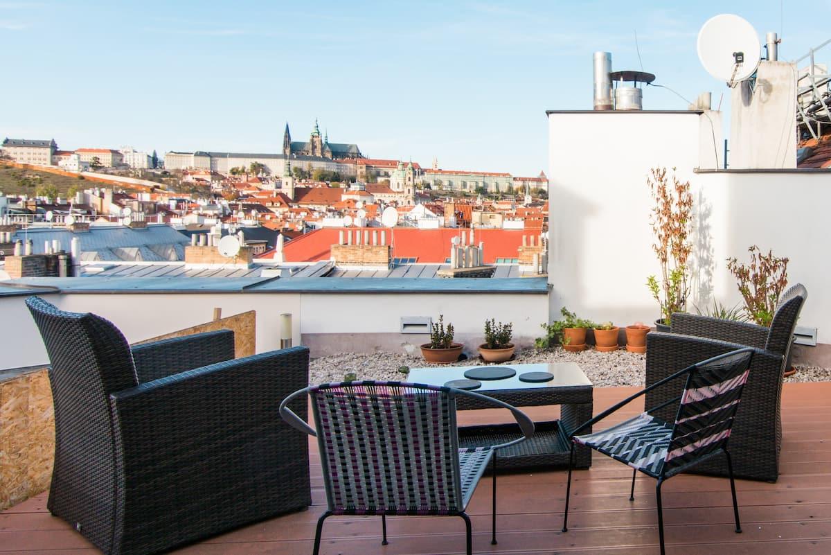 Stylish Loft with View of Prague Castle