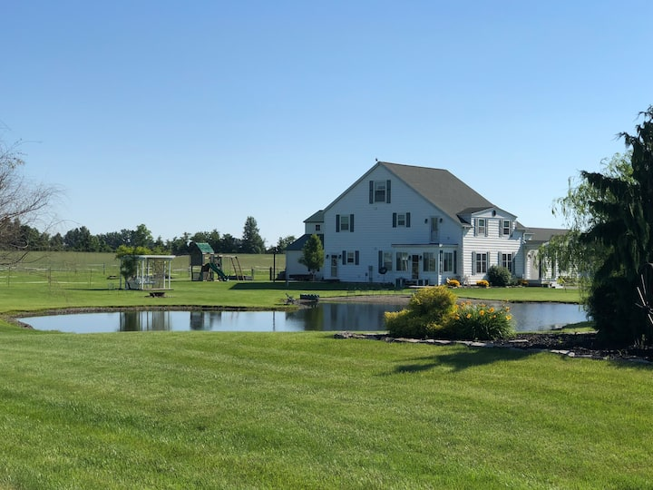 *New* Private Country apartment with pond access.