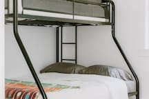 Bunk bed, single over double