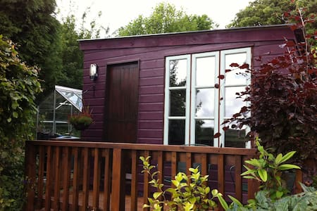Garden Cabin Accommodation - Stithians