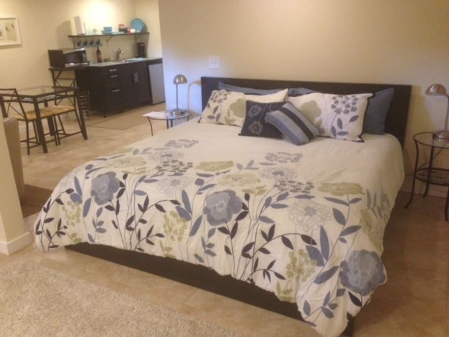 Luxurious King Bed