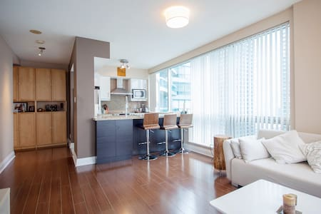 Spacious one bedroom lake view - Toronto - Apartment