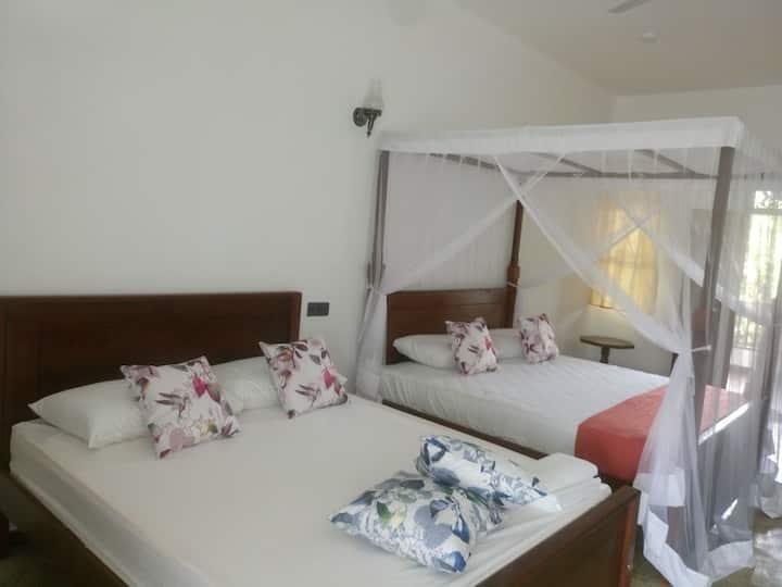Hotel Indigo 2B