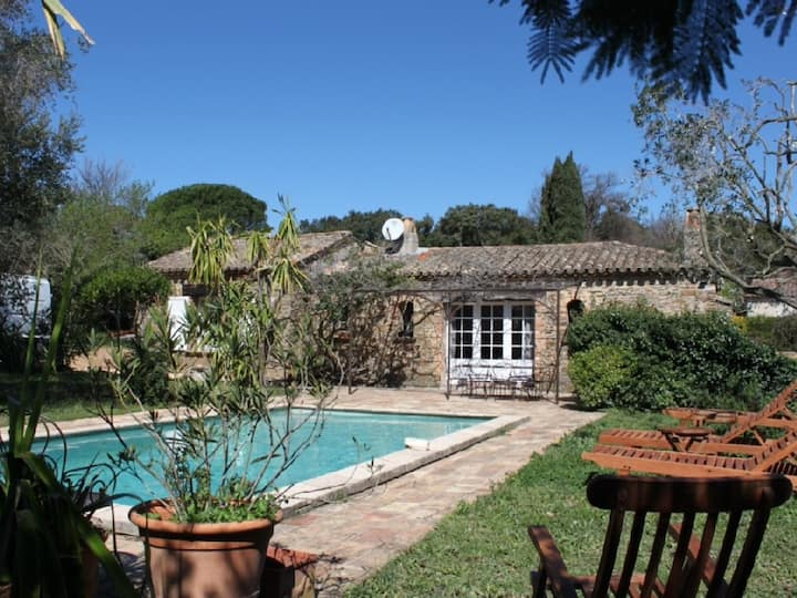 Provencal house with swimming pool