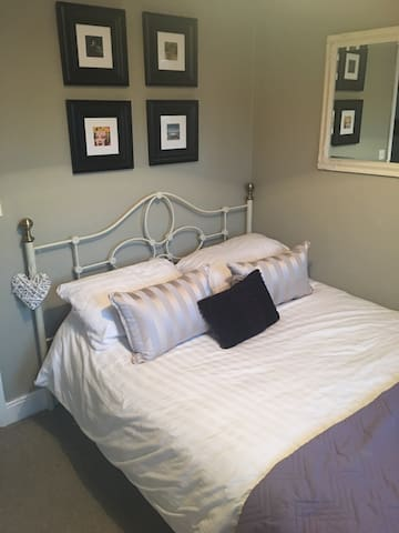 Charming B&B in the heart Bury - 베리 세인트 에드먼즈(Bury St Edmunds) - B&B