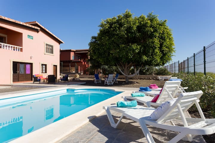 APARTAMENT PRIVATE POOL WIFI - Granadilla - House