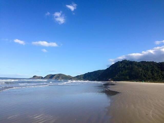 Ilha do Mel- Praia Grande - Canto da Vó - Paranaguá - Casa