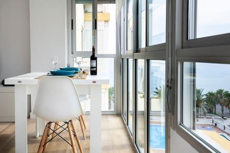 Apartamento a estrenar en primera linea de playa