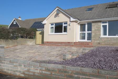 Large, beach-style family home close to beach - Braunton
