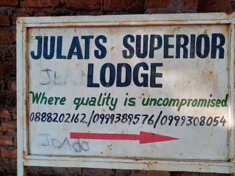 Julats Superior Lodge
