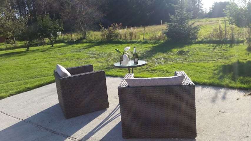 Quiet guesthouse surrounded by nature - Stavanger - Gästhus