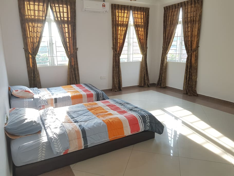 Room For Rent Upto  Single With Parking